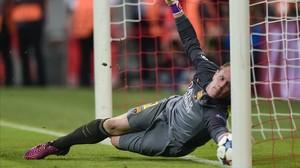 rpascualbarcelona s german goalkeeper marc andre ter stege150512225219