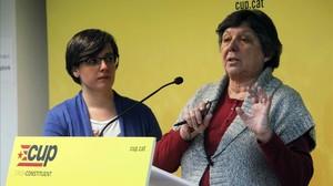 Mireia Boya y Gabriela Serra, en la presentación de la hoja de ruta de la CUP.