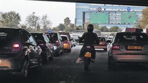 contaminacion-circulacion-lenta-una-las-rondas-barcelona-1480093097615