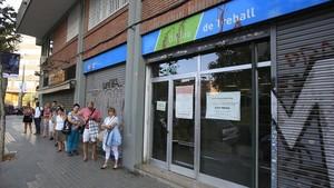 Colas oficina de Treball de la Generalitat