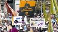 La pressió de l'esquerra paralitza el vot sobre el TTIP