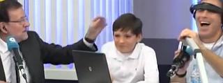 La colleja de Rajoy a su hijo...