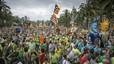 Mestres, famílies i polítics fan pinya per l'escola catalana i demanen la insubmissió