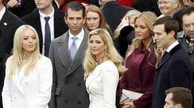 """El hijo de Trump respondió """"encantado"""" a la oferta de Rusia para ayudar a su padre"""