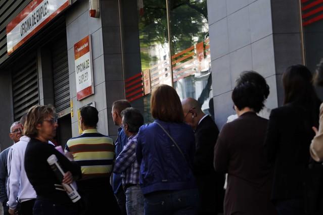 El paro registra ca da r cord de personas en for Oficina de empleo madrid
