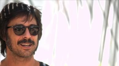 """Hugo Silva: """"El lujo es estar con mi tabla de surf y no ver edificios en el horizonte"""""""