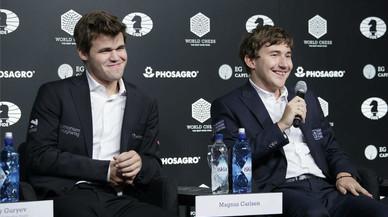Magnus Carlsen reté el títol davant Serguei Kariakin