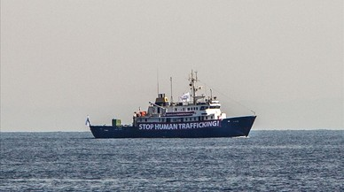 Itàlia ordena a una oenagé socórrer el vaixell ultra del Mediterrani