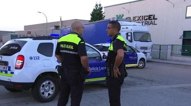 Gavà rendeix homenatge als policies locals del tiroteig del juliol