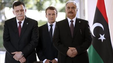 El hombre fuerte del este de Libia avisa a Italia de que interceptará sus navíos