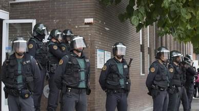 Els Mossos acusen la Guàrdia Civil i la Policia Nacional d'actuar pel seu compte l'1-O