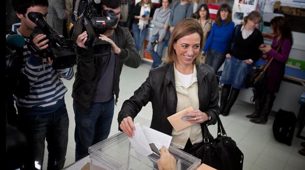 Chac n vota en la escuela isabel de villena en esplugues - Aticos en esplugues de llobregat ...