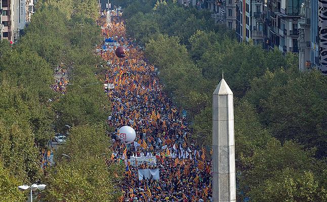 Vista de la aglomeración de personas en el Paseo de Gracia durante la marcha por la independencia de Catalunya
