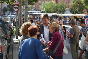 El candidato socialista a la alcaldía de Badalona, Jordi Serra, en un acto de precampaña recientemente.