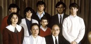 Jordi Pujol i Marta Ferrusola posen junto a els seus fills.