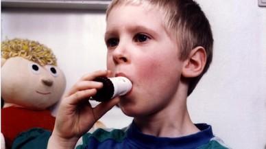 Un 12% dels nens tenen asma i la meitat no estan diagnosticats