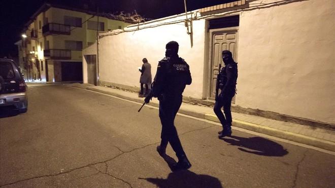 Detingut el presumpte assassí de tres persones, dues delles guàrdies civils a Terol (CA)