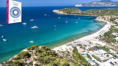 """Playas y calas en Catalunya, del libro """" Todas las playas de Ibiza """" en la foto la cala Jondal."""