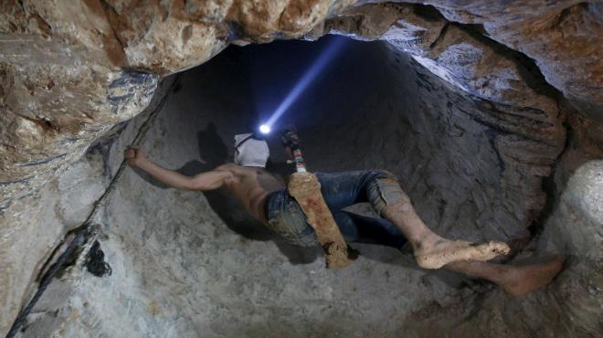 Egipte inunda els túnels que feien arribar armes a Gaza