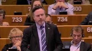 """El emotivo discurso de un eurodiputado escoc�s: """"Escocia no les ha defraudado. Se lo ruego, no la defrauden ustedes"""""""