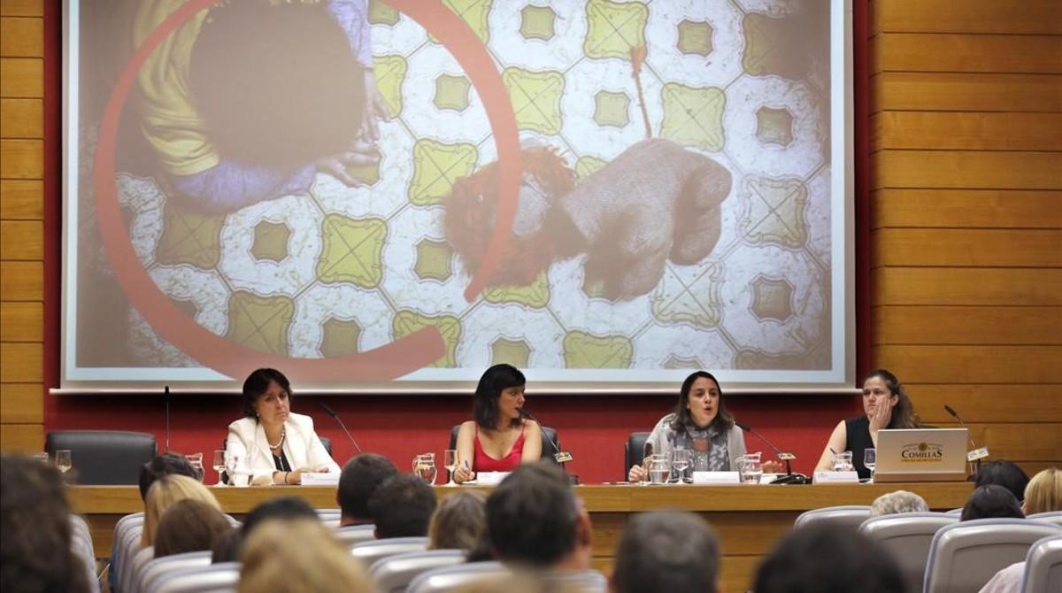Los expertos estiman que 40.000 niños sufren violencia cada año en España