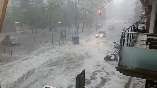 Girona recobra la normalitat després de la forta tempesta que va inundar part de la ciutat