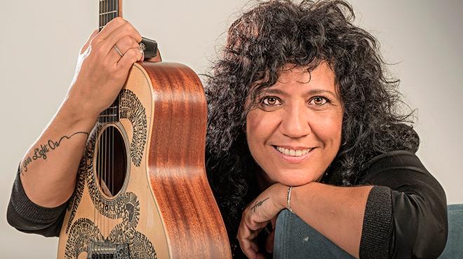 Rosana interpreta en acústic 'El cielo que me das'.