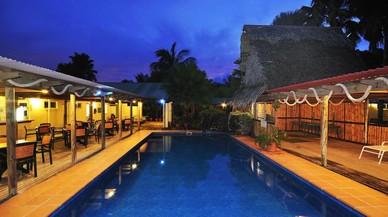 Una família australiana sorteja el seu hotel en una illa tropical