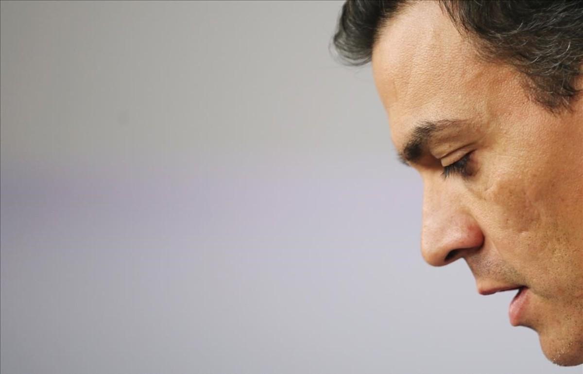 Sánchez dimite, el PSOE implosiona