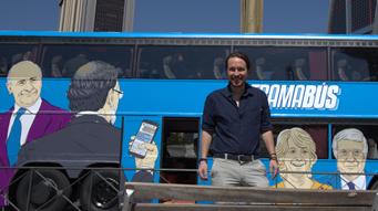 """Podem posa a circular un autobús assenyalant les cares de """"la trama"""""""
