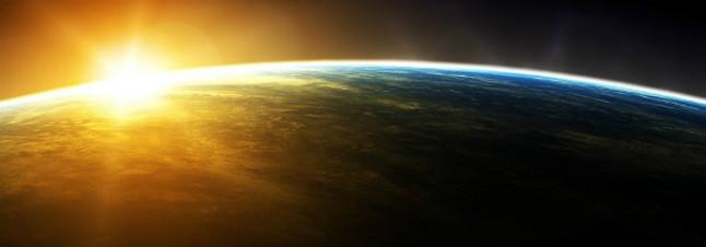 La Tierra, iluminada por el Sol.
