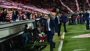 jcarmengol40726829 fc barcelona s head manager ernesto valverde arrives to the171028231923