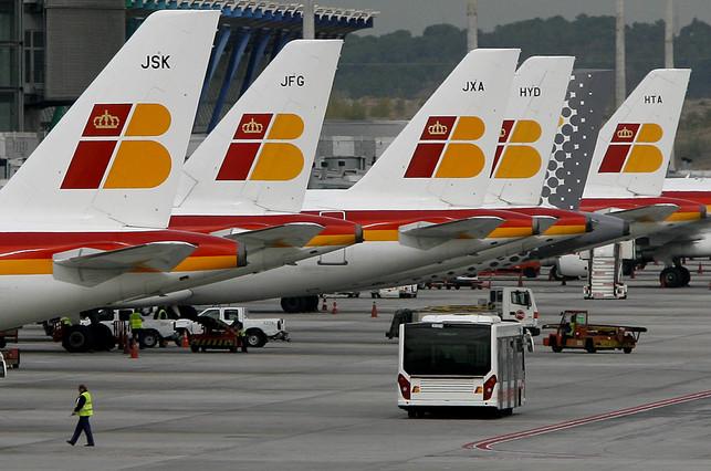 Iberia advierte por 'e-mail' a los clientes del 'serio riesgo de desaparecer'