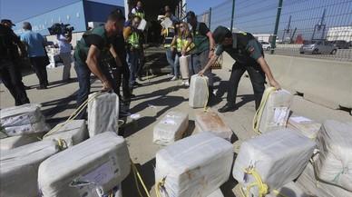 La Policia Nacional aborda un vaixell amb 3.700 quilos de cocaïna
