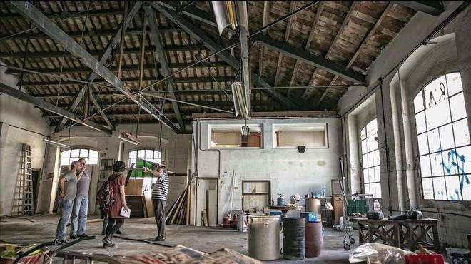 L'espai autogestionat de Can Batlló compleix un lustre amb desenes de projectes en marxa