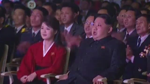 Kim Jong-un reapareix a la televisió en un concert per celebrar el llançament d'un coet
