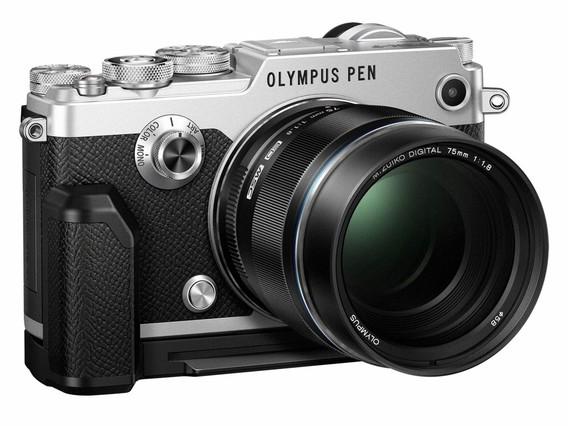 La Olympus Pen-F.