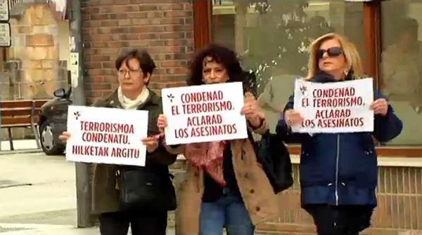 Mig centenar d'antics exiliats etarres anuncien el seu retorn a Euskadi