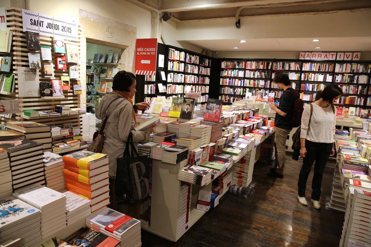 Las ventas del libro literario siguen cayendo en España