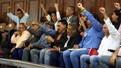 """El chavismo propone juzgar a dirigentes de la oposición por """"traición a la patria"""""""