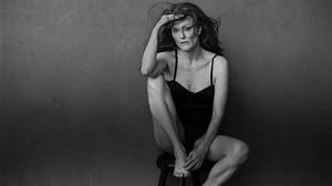 Julianne Moore posa en ropa interior para Triumph
