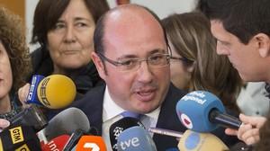 El presidente de Murcia, Pedro Antonio Sánchez, atiende a los medios el pasado 16 de febrero.