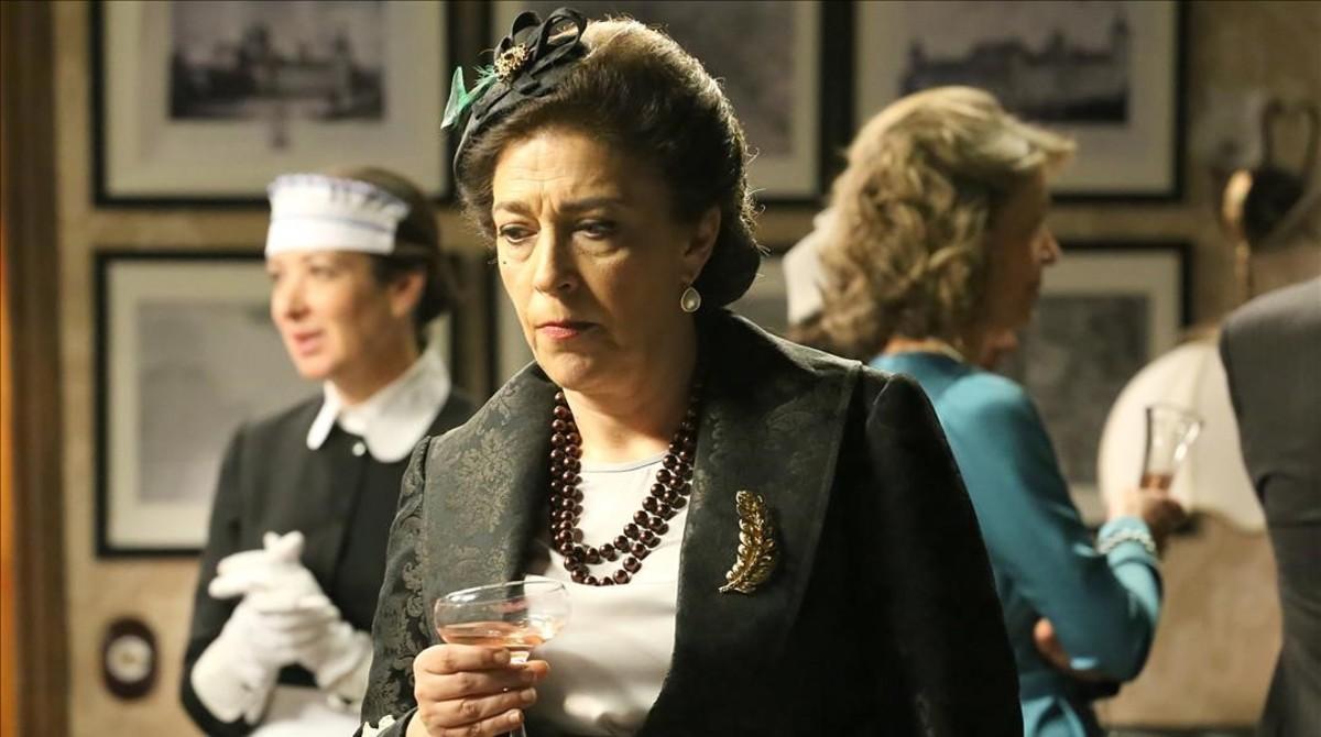 María Bouzas, como Francisca Montenegro en El secreto de Puente Viejo