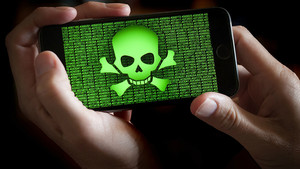 Virus malware en el teléfono móvil.