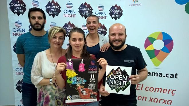 La Open Night tiñe de colores los comercios y las calles de Santa Coloma