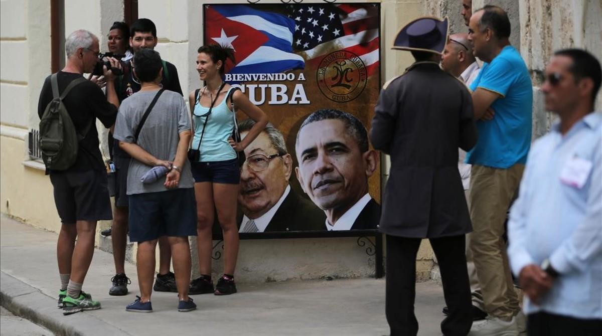 Obama aterriza en Cuba para sellar la nueva era de las relaciones