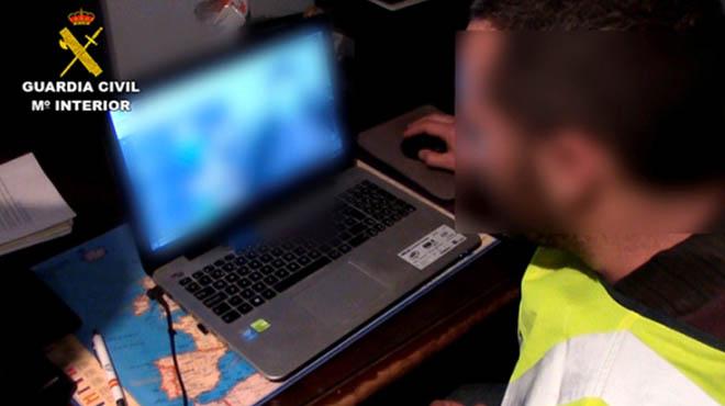 Detenido un monitor de campamento de verano acusado de abusos a 13 menores