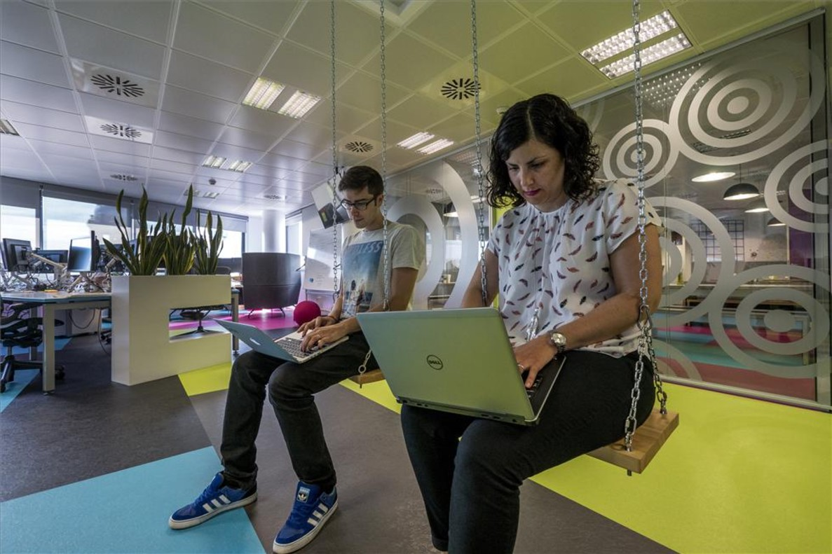 Skyscanner duplicar la plantilla de la oficina de barcelona for Oficina correos barcelona