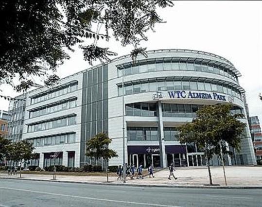 Bcn tiene m s de metros cuadrados de oficinas for Oficina correos cornella
