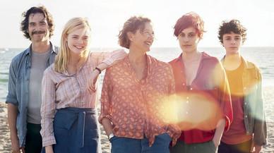 Un fotograma de '20th century women', con Annette Bening en el centro.